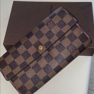Great LV wallet